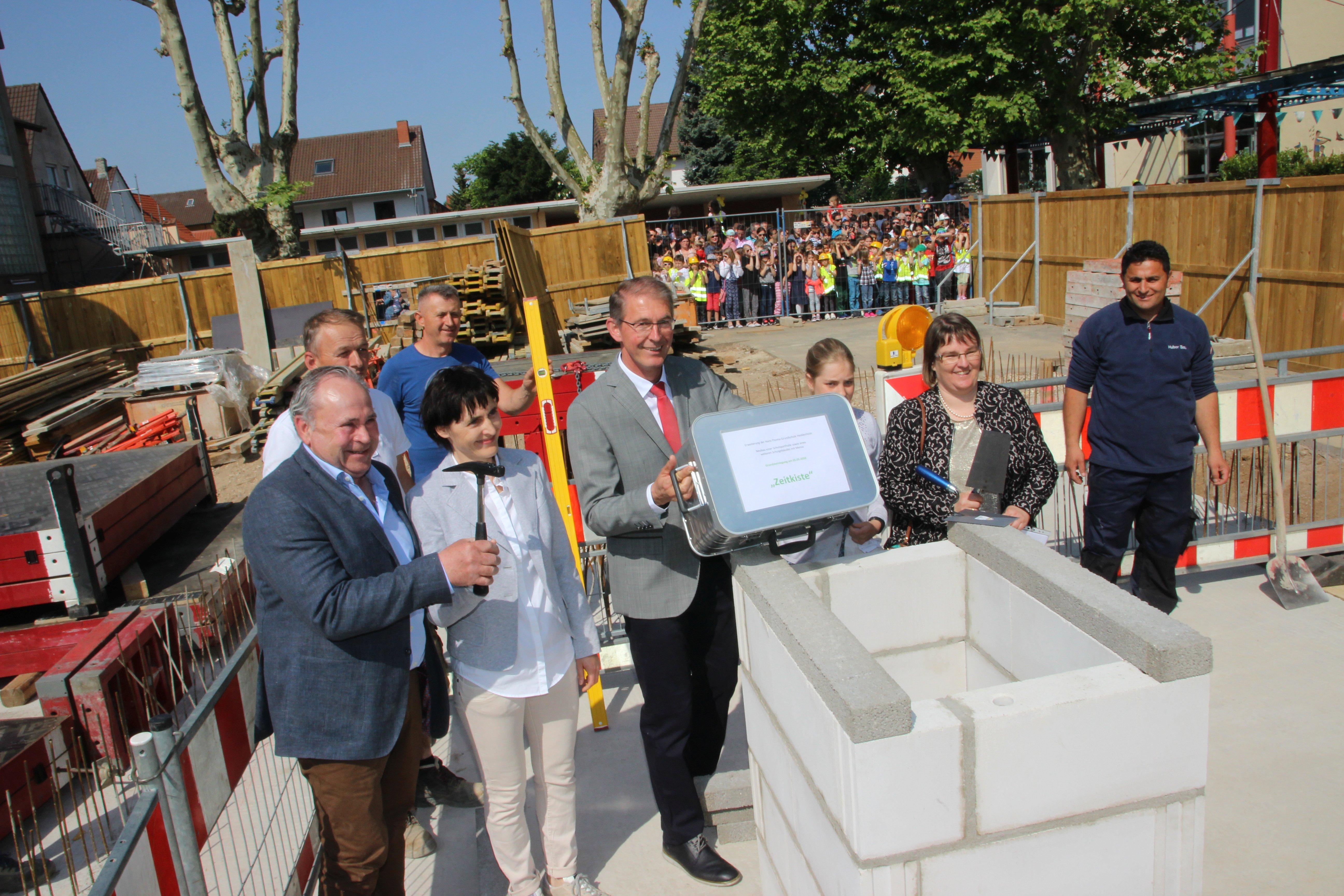 Ein großes Ereignis 2019: Die Grundsteinlegung für das neue Schulgebäude an der Hans-Thoma-Schule