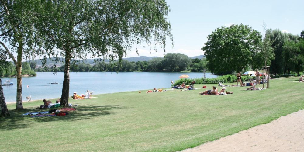 Badesee – Liegewiese und See