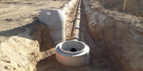 Kanalisation und weitere Erschließung im aufgegrabenen Erdreich