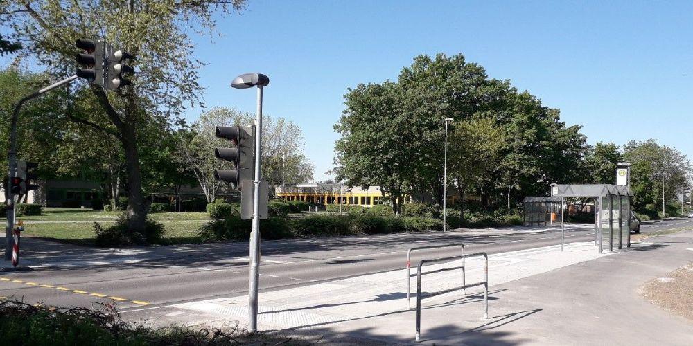 Barrierefreie Bushaltestelle an der Karl-Drais-Schule
